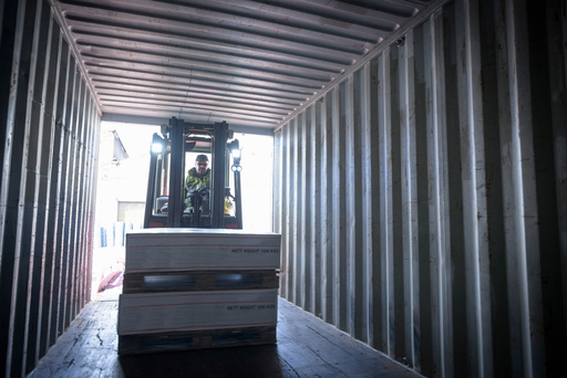 Shipping containers to Iran